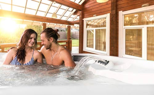 how long do hot tubs last? everything you need to know